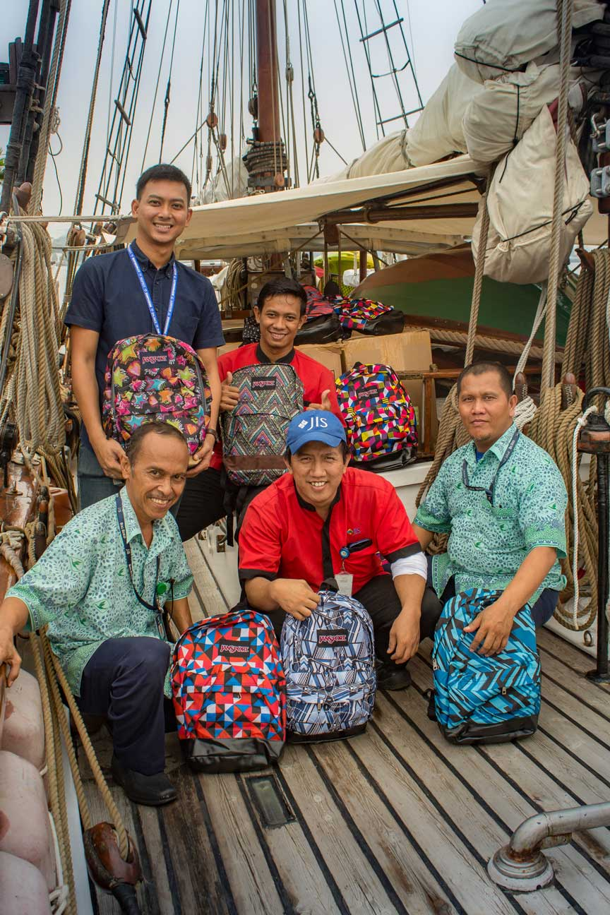 The team from Jakarta Intercultural School that delivered the Kits-4-Kids bags this year. A big hats off for the gang at JIS.